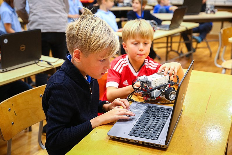 Tech Tips for Parents to Embrace Digital Education