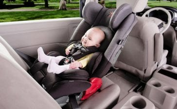 critical features of a baby car seat that comforts the children