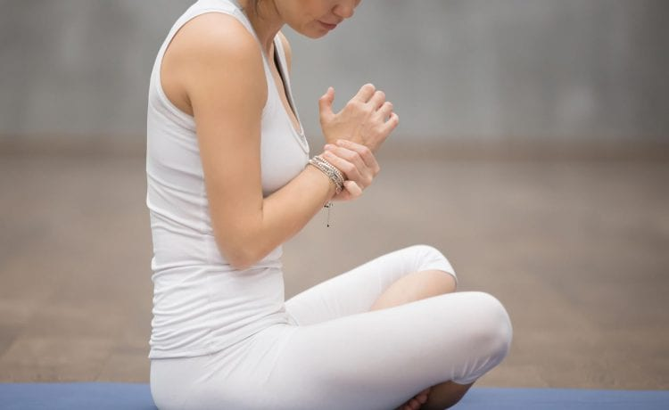 TIPS TO AVOID WRIST INJURIES WHILE DOING YOGA