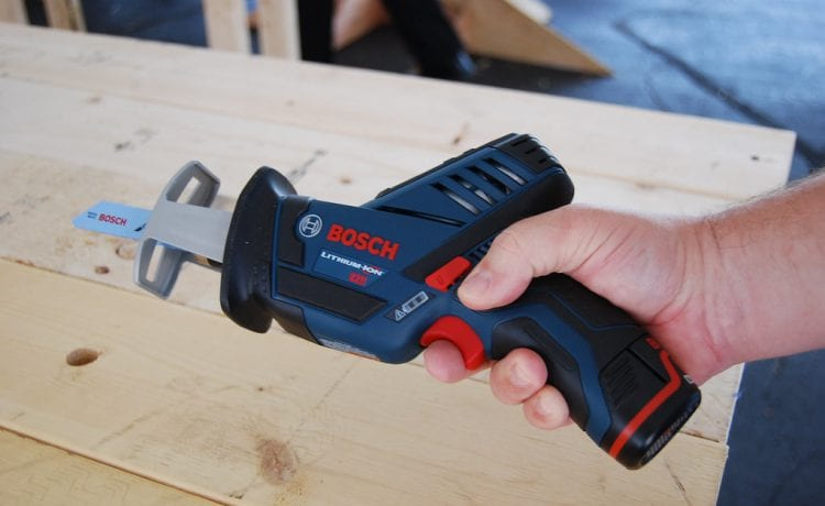 How to Find the Right Oscillating Tool to Complete the Job