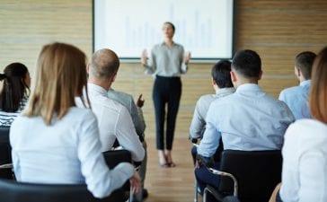Agile Coaching VS Mentoring: 5 Key Differences