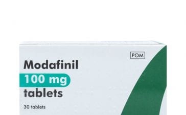 Which are the known side effects of Modafinil?