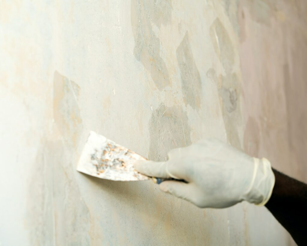 Coating in Plaster Walls at Home