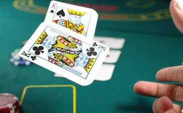 Easy-To-Play Poker Game Online